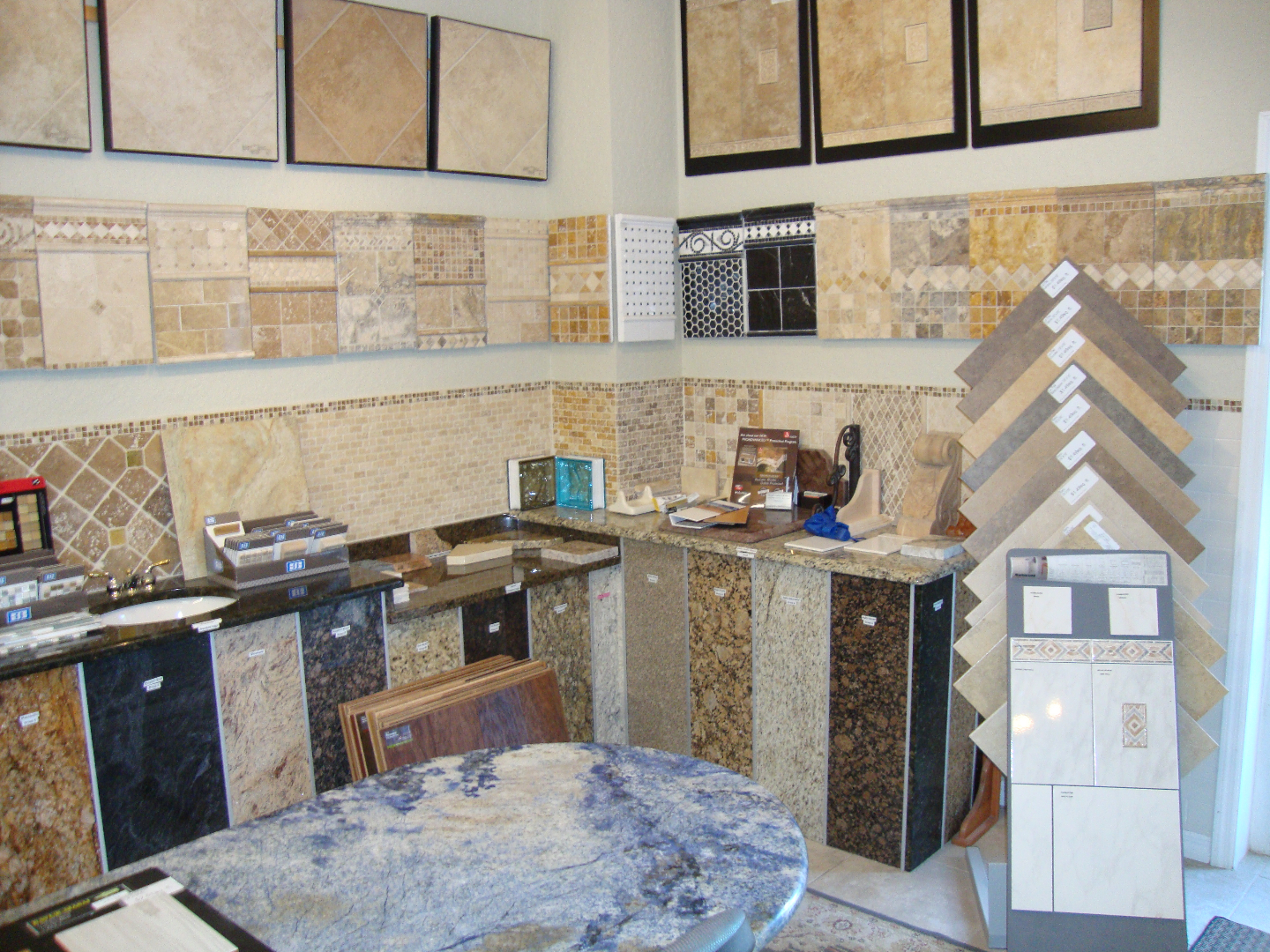 Granite Showrooms : ... natural stone glass engineered wood laminate engineered solid hardwood